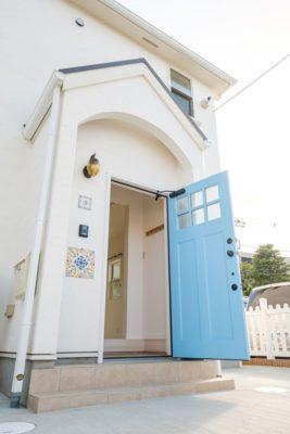 玄関ドアの画像