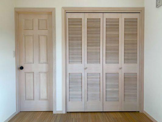 クローゼットの扉の画像